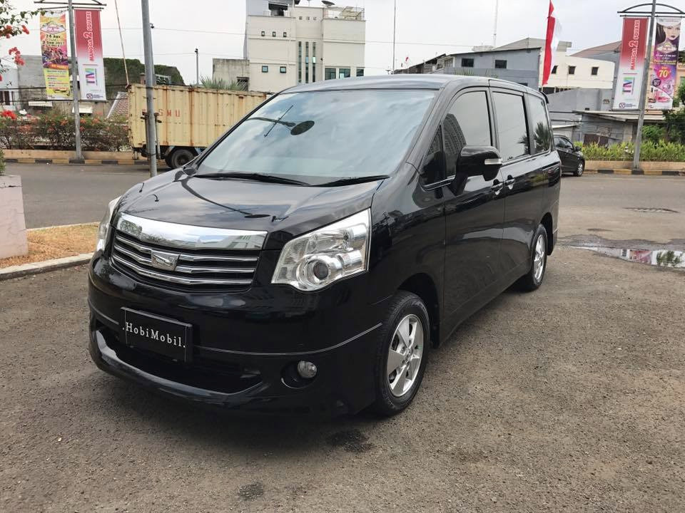 2013 Toyota Nav1 V Hitam 7seater Mini Alphard (SOLD